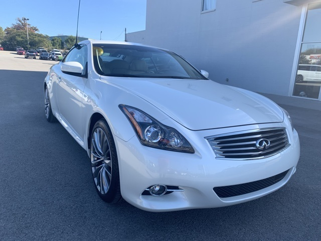 Pre-Owned 2015 INFINITI Q60 Base